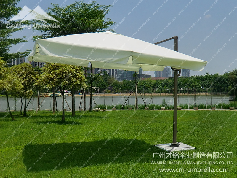 Aluminum Cantilever Square Umbrella With Tippet